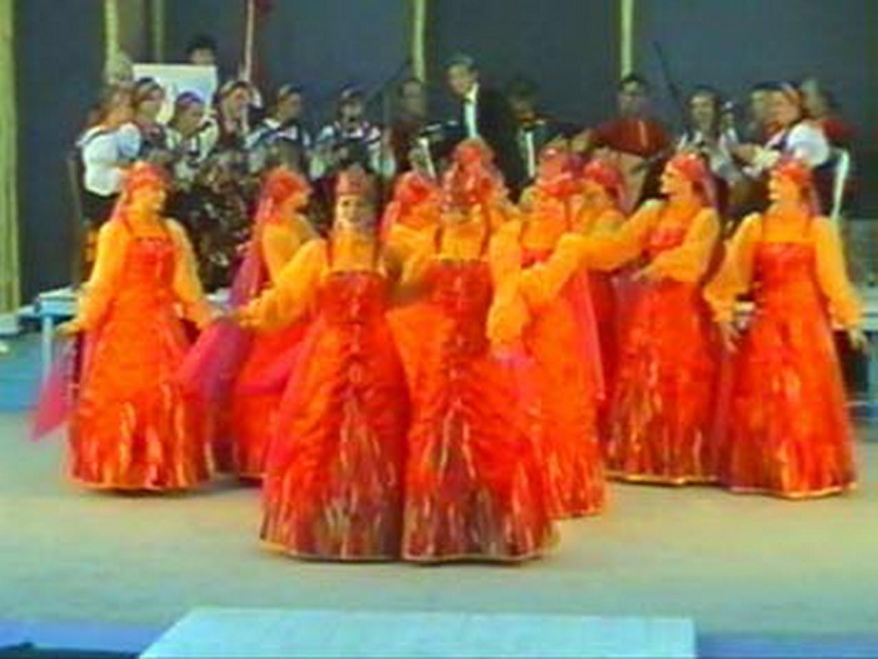 1997 - Ansamblul folcloric \'\'Russkie Napevy\'\' - Rusia