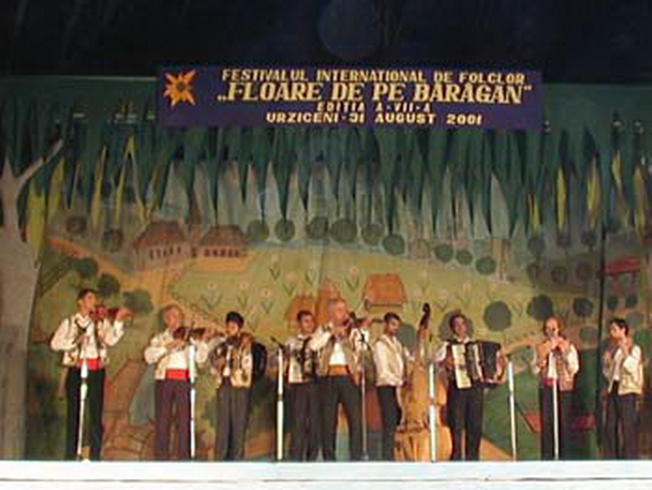2001 - Ansamblul folcloric \'\'Doina Baraganului\'\' - Romania