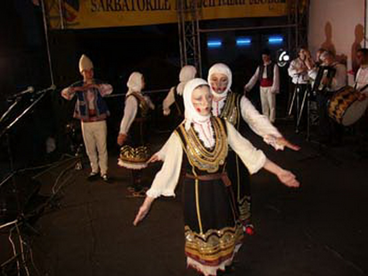 2006 - Ansamblul folcloric \'\'Zarya\'\' - Bulgaria