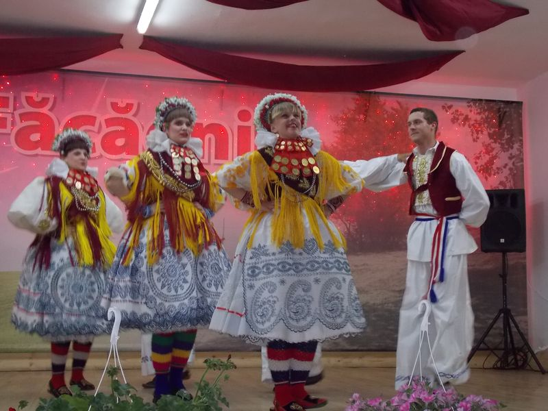 Ansamblul ''Bizovac'' - Croatia_Facaeni_1