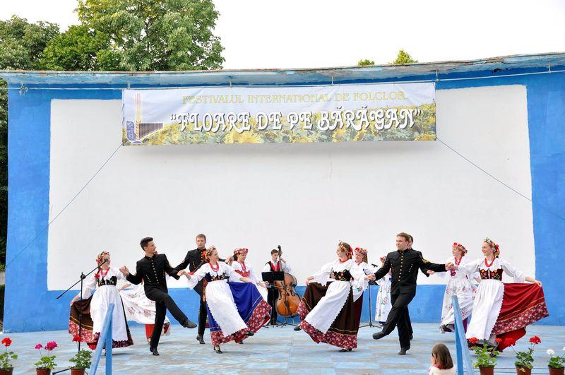 Ansamblul ''Silesianie'' - Polonia_Fetesti_1