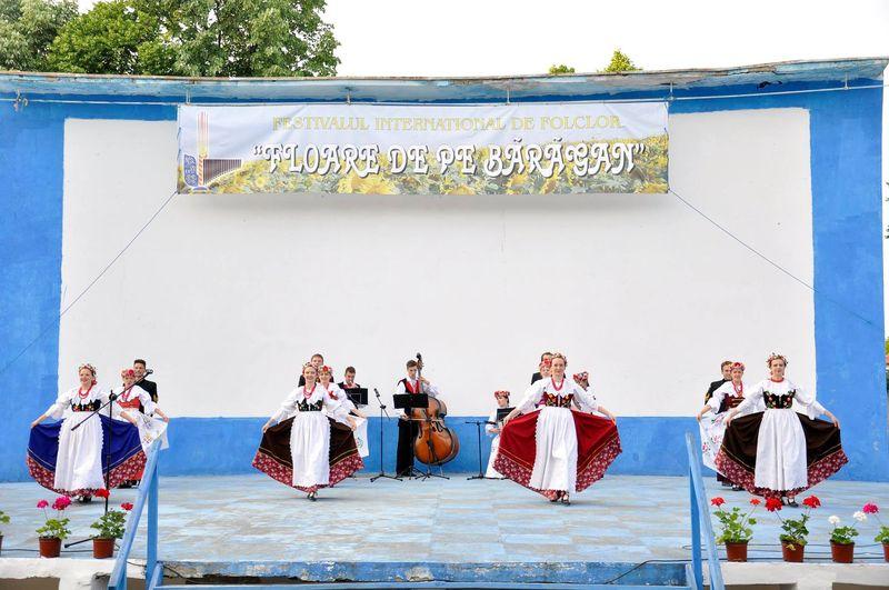 Ansamblul ''Silesianie'' - Polonia_Fetesti_3