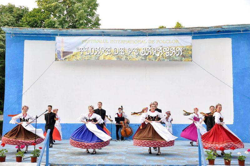 Ansamblul ''Silesianie'' - Polonia_Fetesti_4
