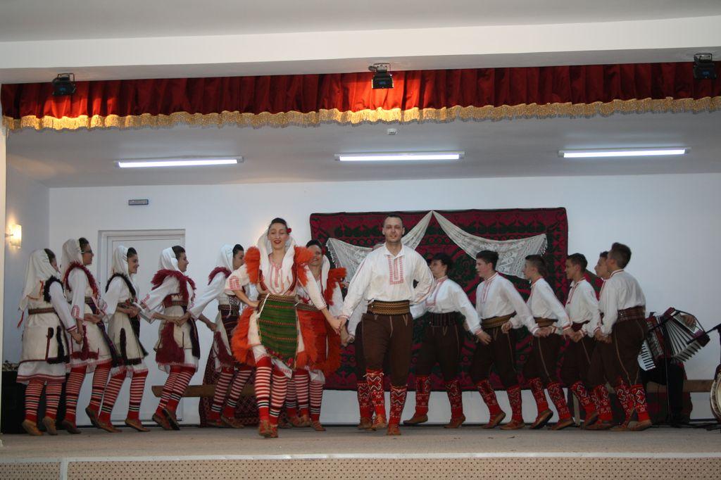 Macedonia_spectacol_Jilavele_2
